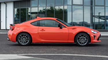 Toyota GT86 Orange Edition - side