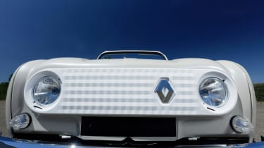 Renault 4 Plein Air beach car - grille