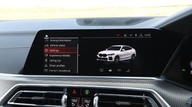 BMW X6 twin test - screen