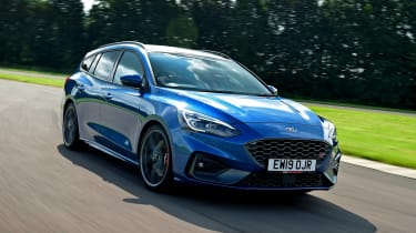 Ford Focus ST Estate - front tracking