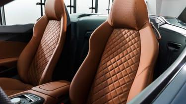 Audi R8 Spyder - studio seats