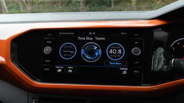 Volkswagen T-Cross - infotainment economy