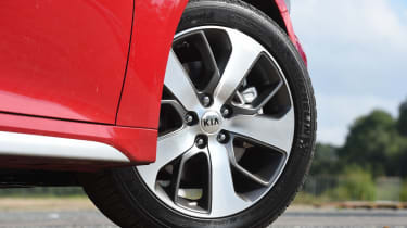 Kia Optima Sportswagon - wheel