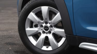 MINI Countryman - wheel detail