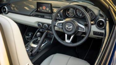 Mazda MX-5 Sport Venture - dash