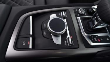 Audi R8 RWS - centre console