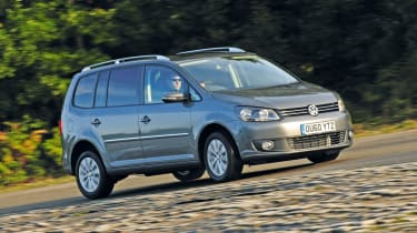 VW Touran cornering