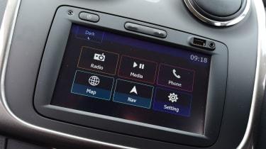 Dacia Sandero - infotainment touchscreen