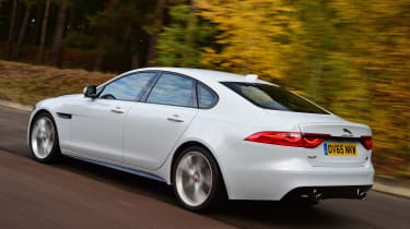 Jaguar XF rear tracking