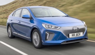 Hyundai IONIQ EV 2016 UK - front tracking 2