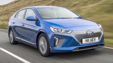 Hyundai IONIQ EV 2016 UK - front tracking 2