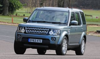 Land Rover Discovery 2014 front action
