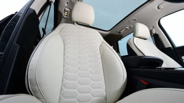 Ford S-MAX Vignale - front seat