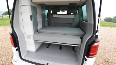 Volkswagen California Edition - bed