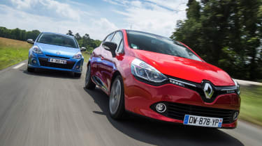 Renault Clio old vs new - Mk3 and 4 front tracking