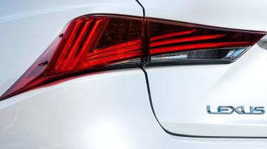 Lexus IS 2017 - rear light