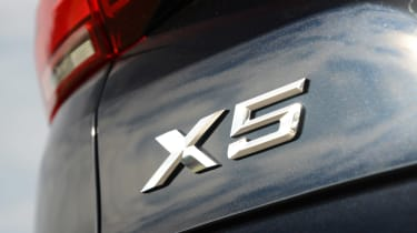 BMW X5 xDrive45e - X5 badge