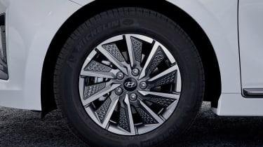 Hyundai Ioniq Electric - wheel