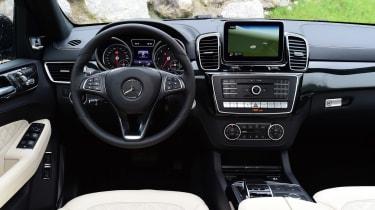 Mercedes GLE 2015 interior