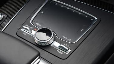 Audi SQ5 - control pad
