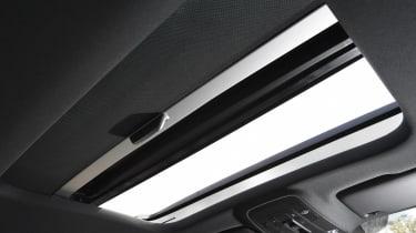 Audi Q2 35 TFSI long-termer - roof