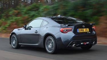 Used Toyota GT86 - rear action