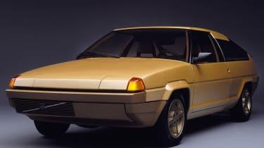 Volvo Tundra - front