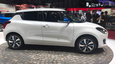 Suzuki Swift Geneva - side