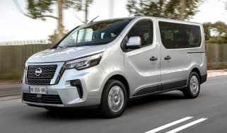 Nissan NV300 Combi - front
