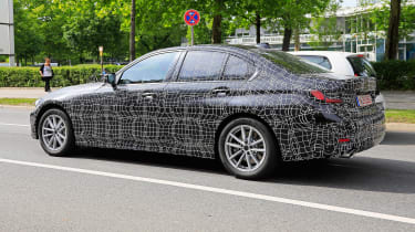 BMW 3 Series spies side profile