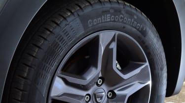 Triple test - Logan MCV Stepway - wheel