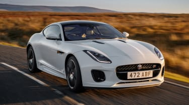 Jaguar F-Type Chequered Flag - front action