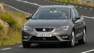 SEAT Leon ST estate 2.0 TDI front action