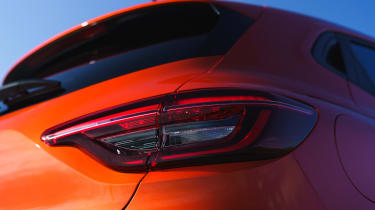 Renault Clio - light