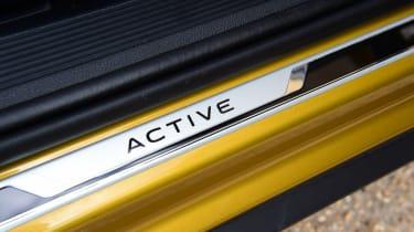 Volkswagen T-Roc Active - sill