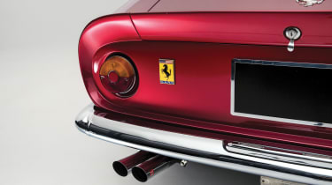 Ferrari 275 GTS/4 NART Spider - rear light