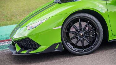 Lamborghini Huracan styling kits - front
