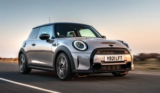 2021 MINI 3-dr hatch
