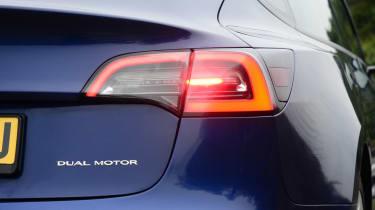 Tesla Model 3 Long Range - rear light