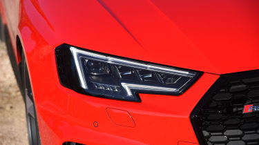 Audi RS 4 - front light detail