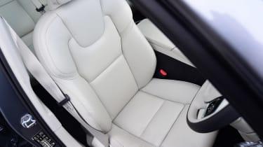 Volvo V90 - front seat