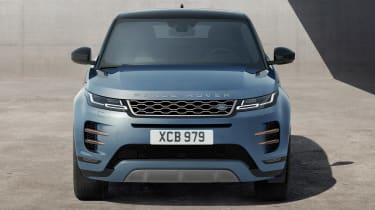 New 2019 Range Rover Evoque head on