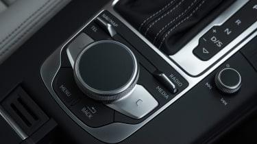 Audi RS3 Sportback - centre console