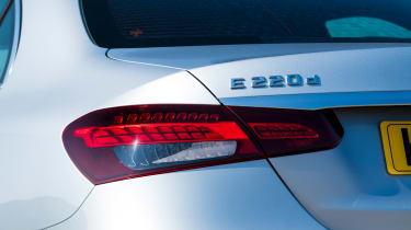 Mercedes E 220d Sport - rear light