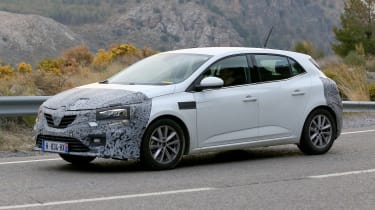 Renault Megane facelift spy shots 2020