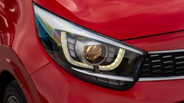 Triple test –Kia Picanto - headlight