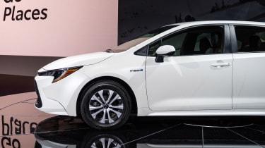 Toyota Prius - LA white