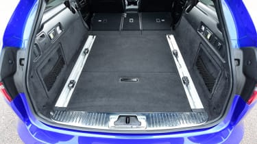 Jaguar XF Sportbrake - boot seats down