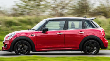 MINI Cooper 5 door 2018 side profile