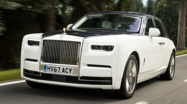 Rolls-Royce Phantom - front action